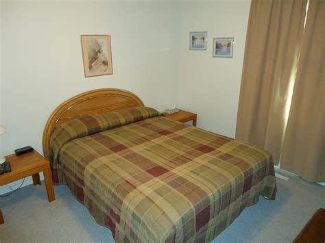 weekly rooms motel rooms at silver saddle suites clean