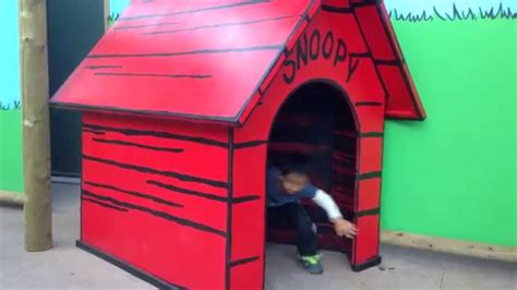 how to make a snoopy dog house running into snoopy s dog house youtube