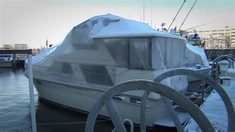 living on a boat in the winter couple lives out first chicago winter on the water wgn tv