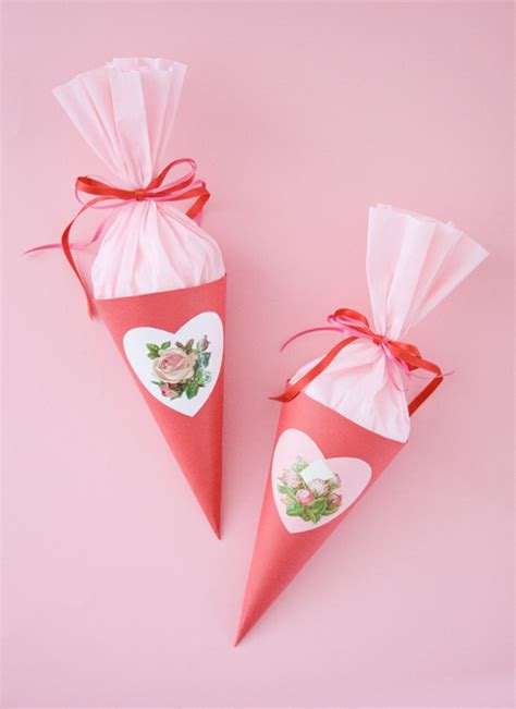Make Paper Cones - how to make a paper cone cakejournal