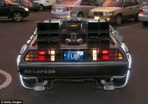 what year is the delorean from back to the future delorean to build 300 new replicas of 1982 model made