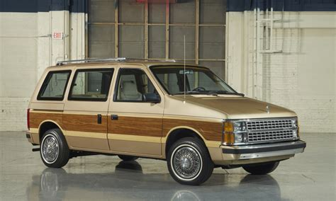 photo gallery as chrysler redoes the minivan a look back