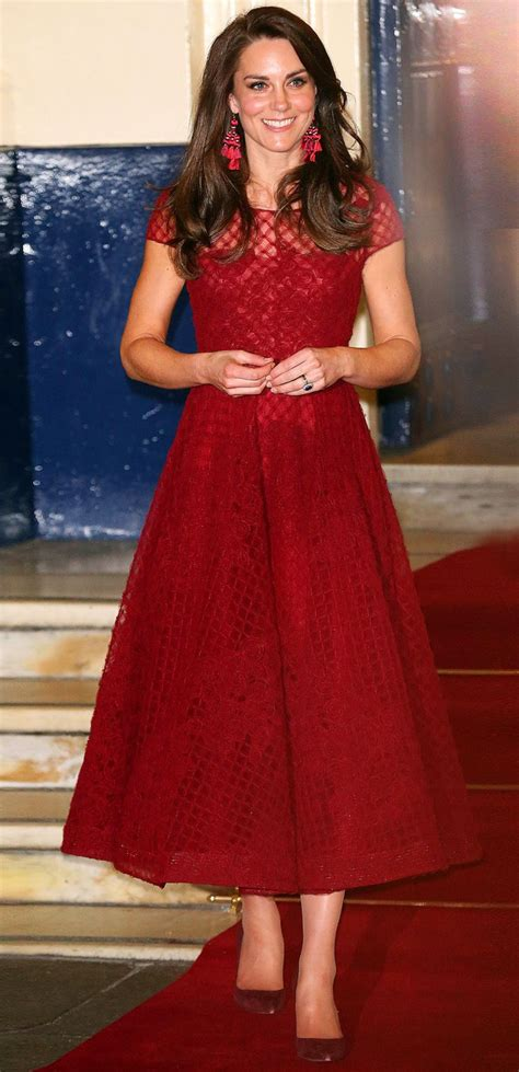 Im Back And Obsessed With Marchesa by 17 Best Ideas About Crimson Dress On
