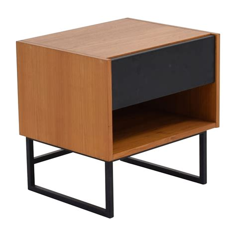 crate and barrel side table 64 off crate barrel crate barrel brown black