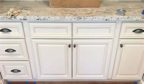 Antique White Glazed Kitchen Cabinets Antique White Glazed Kitchen Cabinets Antique White Maple Glazed Kitchen Cabinets Gallery