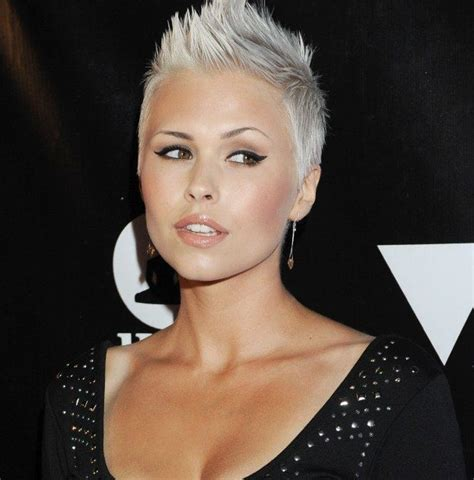 short trendy haircuts for defined noses best 20 platinum blonde pixie ideas on pinterest pixie