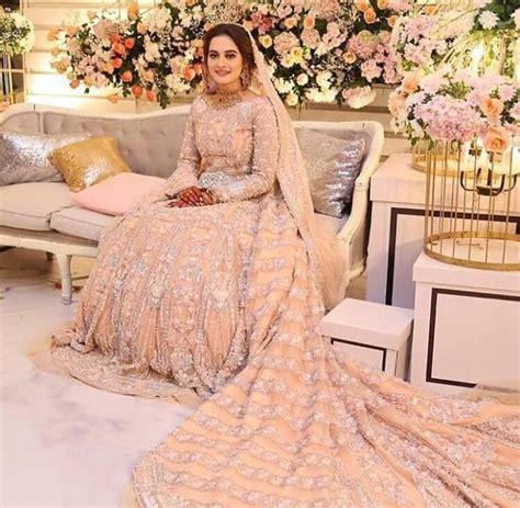 Aiman Khan Walima Exclusive Pictures & Videos   Reviewit.pk