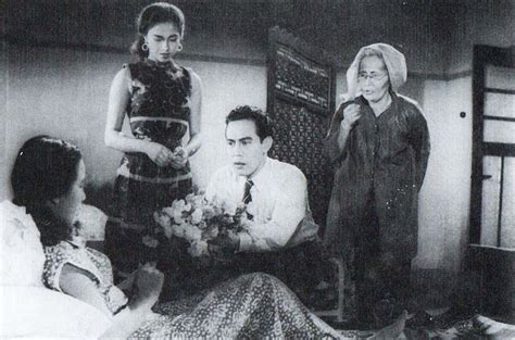 film indonesia 3 dara download file rendra karno giving flowers to chitra dewi as fifi