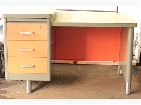 Metal Desks With Drawers by Metal 3 Drawer Desk Bay Courtenay Comox