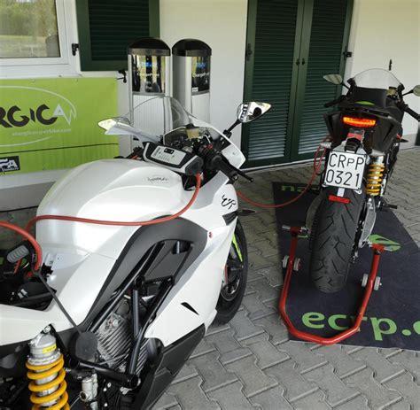 Elektro Motorrad Mobile De by Kurze Testfahrt Warum Ein Elektromotorrad Noch Keinen