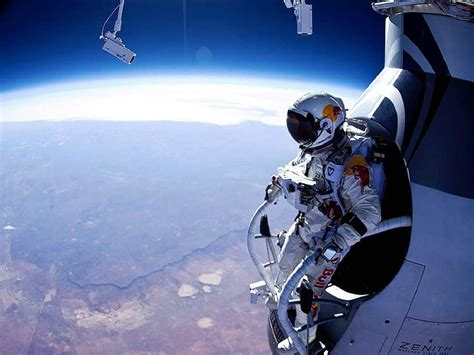 space dive the tech felix baumgartner s stratospheric skydive