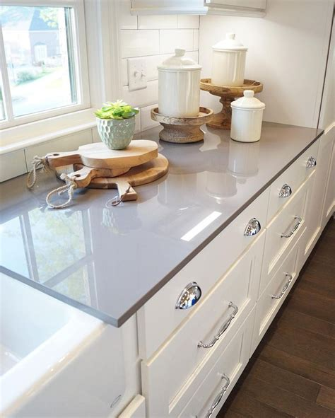 White Cabinet Grey Countertop by Best 25 Gray Quartz Countertops Ideas On Grey