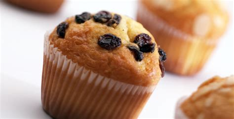 membuat kue muffin resep cara membuat kue kering muffin pisang kismis