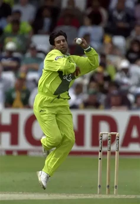 wasim akram swing bowling who are the greatest contributors through swing bowling in