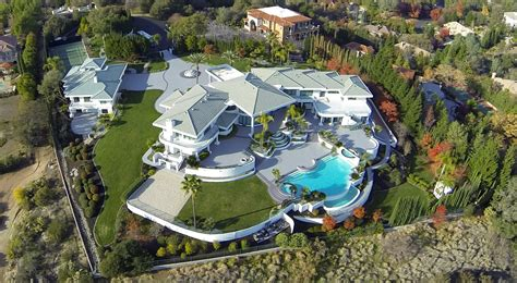 stars houses 20 most beautiful hollywood celebrity homes