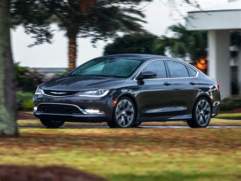 Is A Chrysler 200 A Car by Chrysler 200 New Cars Used Cars Car Reviews And Pricing