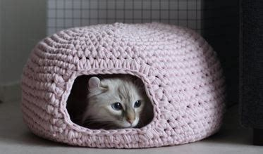 free crochet pattern cat cave how to make a cute crochet cat cave the whoot