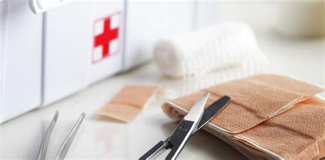 cassetta medica checklist per il controllo della cassetta medica