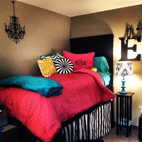 vikingwaterfordcom page  attractive green  blue stripped bedding  black leather