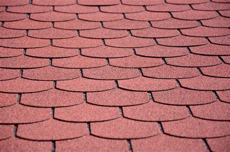 schindeln aus dachpappe dachpappe in rot eine beliebte alternative