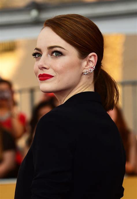 Emma Stone Lipstick | emma stone wears revlon ultra hd lipstick in gladiolus