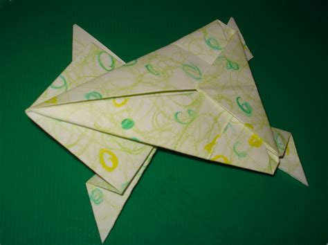 Hopping Origami Frog - craft coaching origami hopping frog