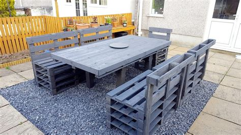 Painted Patio Furniture How To Organize A Patio With Pallets