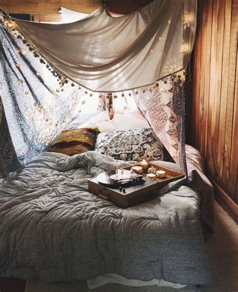 indie themed bedrooms 25 best ideas about hipster bedrooms on pinterest