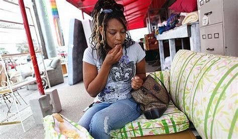 eating couch cushions ig colunistas o buteco da net o buteco da net