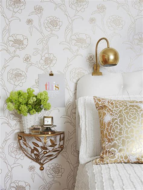 wallpaper with gold accents everything gold is new again decorating with gold accents