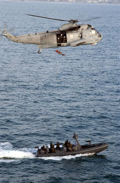 boat rs gold coast us navy sh 3 sea king helicopter