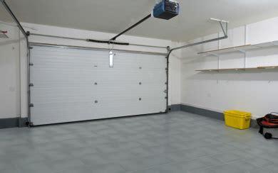 Pvc Boden Garage by Fugenloser Garagenboden Aus Pvc Fliesen