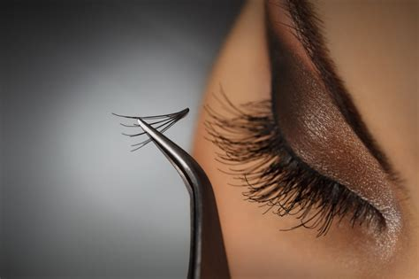 How To Apply Eye Lash Extensions by Learning How To Apply Eyelash Extensions