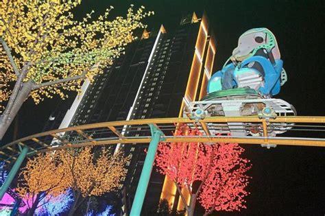 theme park newspaper articles double tree hilton hotel set to boost i city s theme park