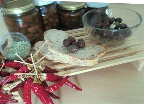 olive fatte in casa olive nere sott olio fatte in casa ricetta tradizionale