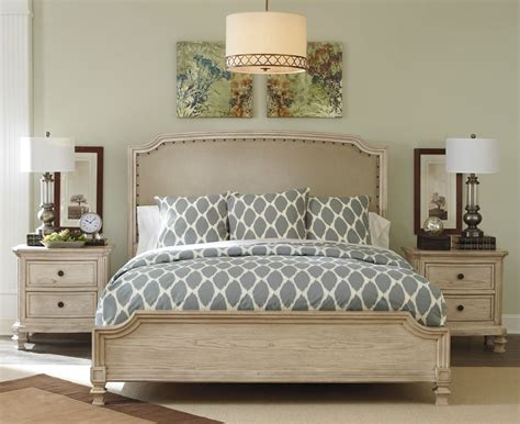 Distressed Bedroom Furniture by Distressed White Bedroom Furniture Modern Wood Interior