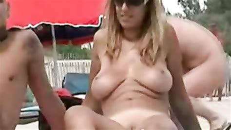Big Natural Tits Hottie Tans At The Beach Voyeurstyle Com