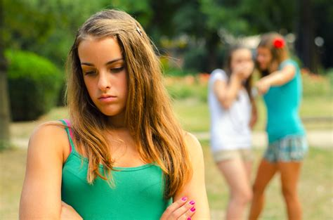 child models mean girl evolution explains why mean girls get the guys d brief