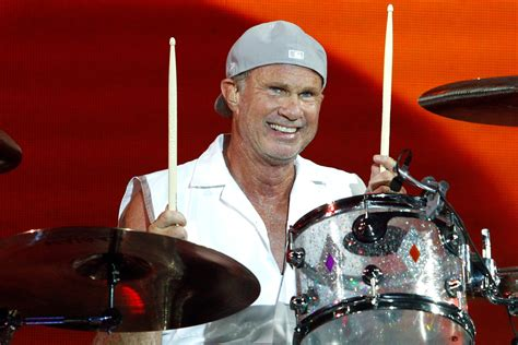 red hot chili peppers chad smith chili peppers drummer gives surprise performance in
