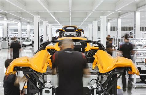mclaren factory mclaren automotive factory tour carwitter car