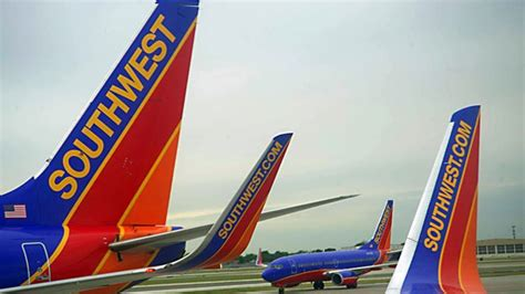 southwest baggage fees southwest no plans to start charging baggage fees 171 cbs