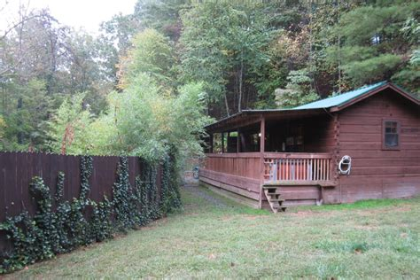Pet Friendly Cabin Rentals by Pet Friendly Vacation Rentals Nc Log Cabins