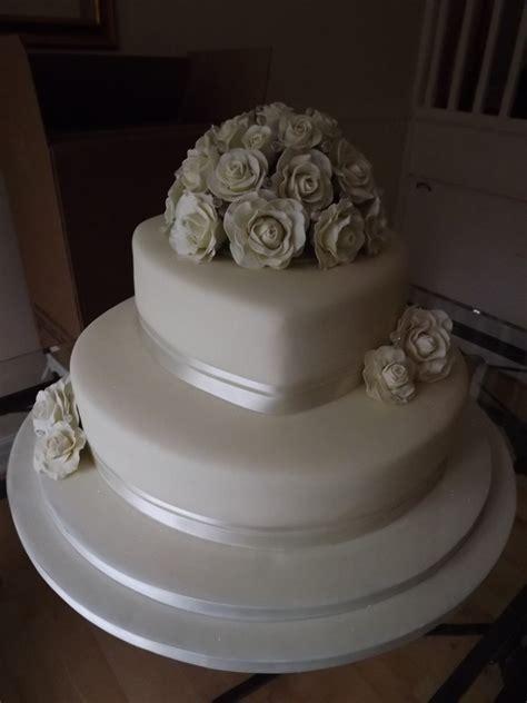 average cost of 3 tier wedding cake uk 3 tier wedding cakes prices idea in 2017 wedding