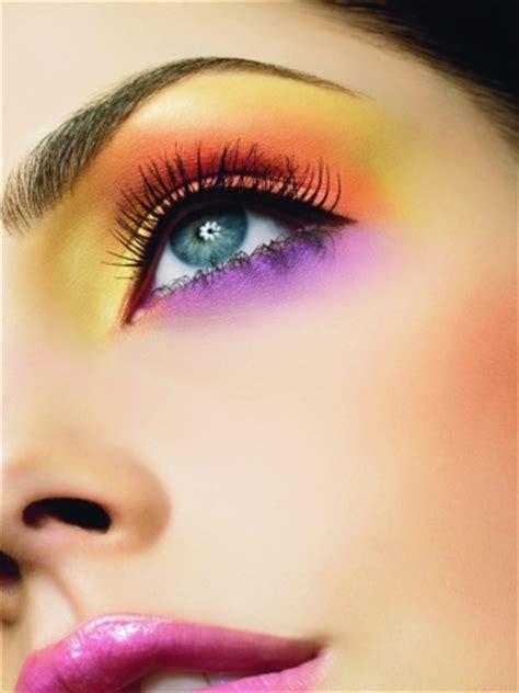 Make Up La Ode Yusuf color 233 mais artistique petits gateaux du monde de la mode