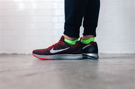 Sepatu Nike Zoom Structure 18 a closer look at the nike air zoom structure 18 hypebeast