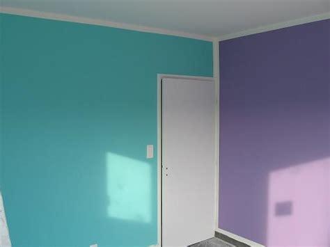 chambre fille bleu et violet article couleur association bleue et violet