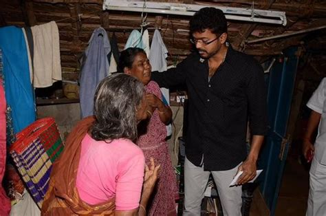 actor vijay sethupathi house in chennai puli hero ilayathalapathy vijay visits his deceased fans