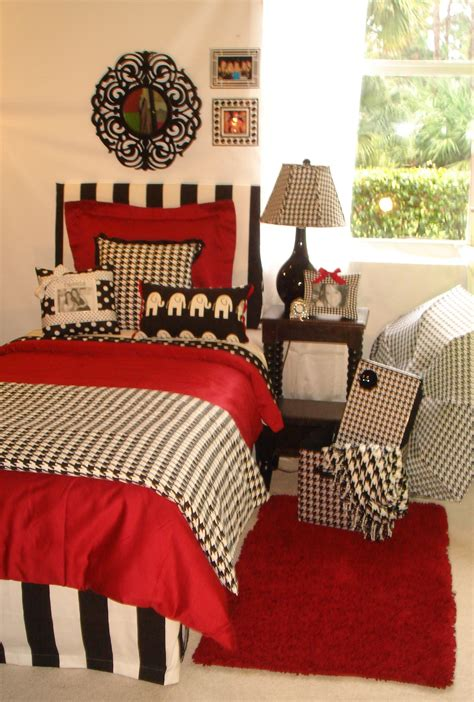 crimson bedroom ideas university of alabama custom girl crimson and hounds tooth