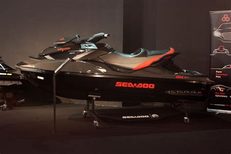 jet boat kuwait sea doo auto kuwait cars pinterest sea doo and cars