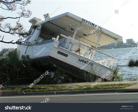 problems with hurricane boats hurricane boat wreck taken in mary esther florida during